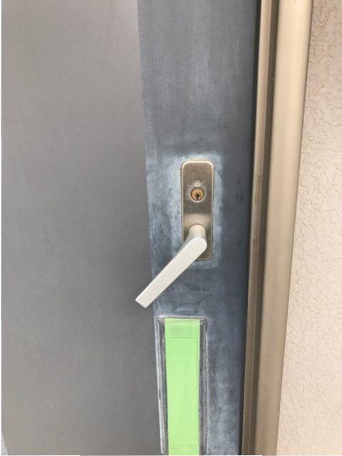 ウエスト(WEST)製アクト錠レバー バネ劣化によるレバー下がり室内側