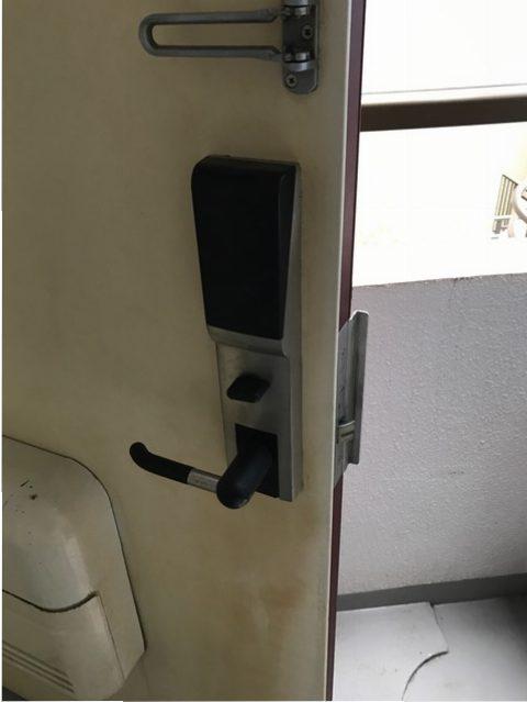 MIWA製テンキー錠 旧テンキー錠内側。劣化による交換。